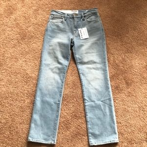 NWT Frame Le High Straight light wash jeans 24